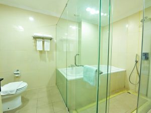 Suite Room - Bathroom