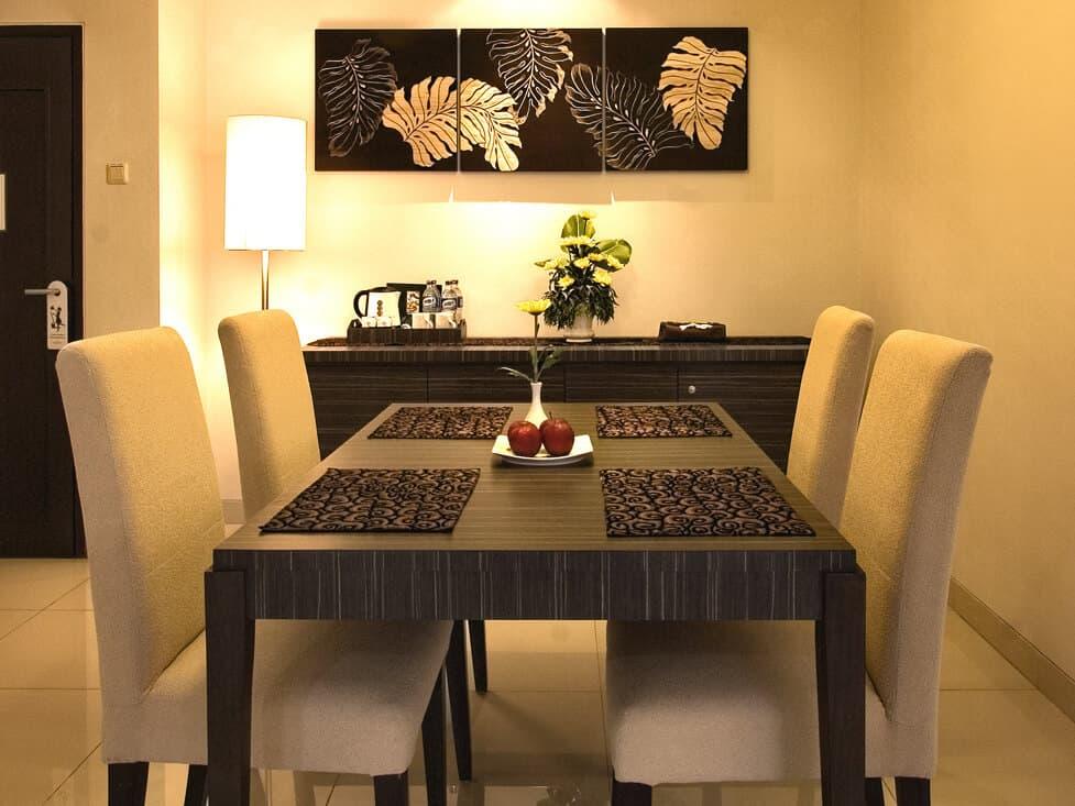 Suite Room - Dining Area