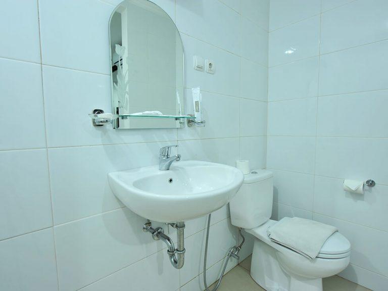 Town House - Bathroom