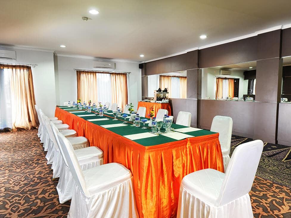 Business Meeting Mess Hall